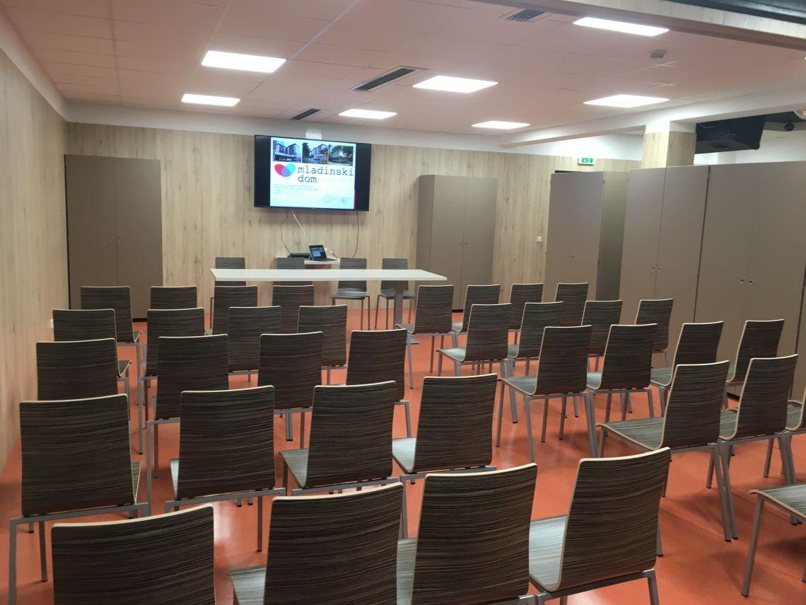 seminarski prostor, klubski prostor