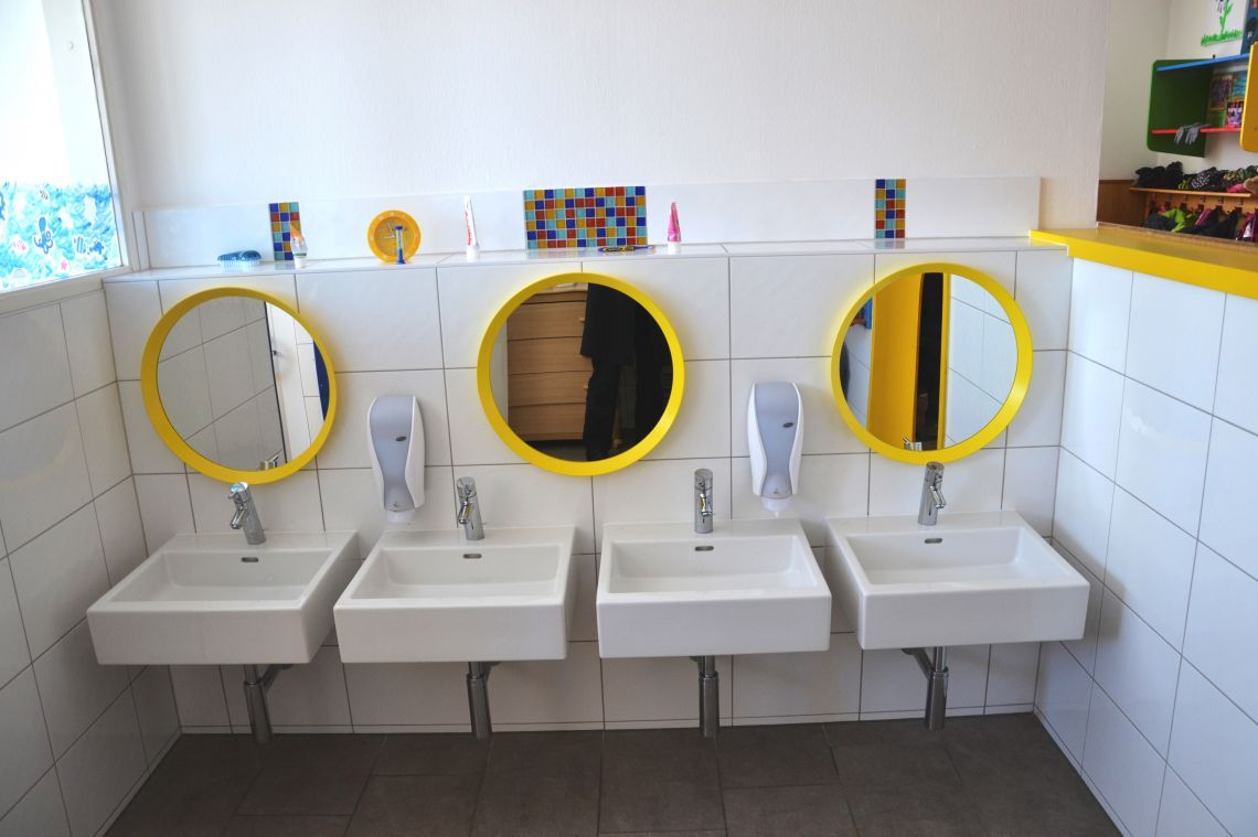 Hier waschen wir uns die Hände