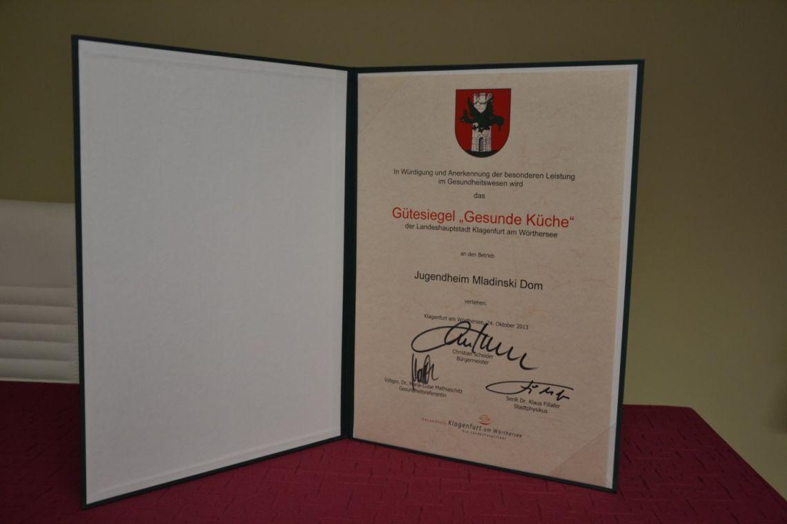 """Priznanje """"Gesunde Küche"""" mesta Celovec"""