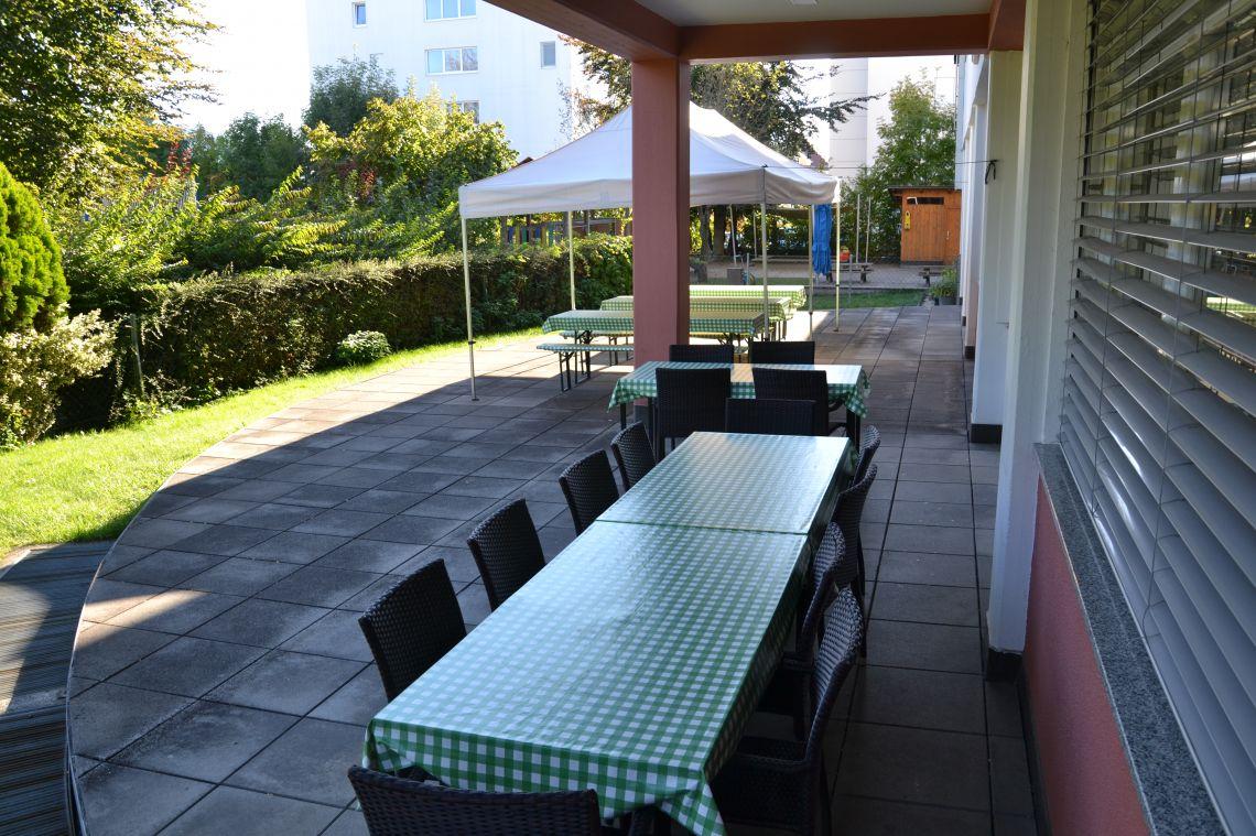 Domska terasa - poleti priljubljen prostor za obede