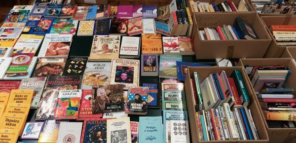 Knjižni bazar Slovenske študijske knjižnice
