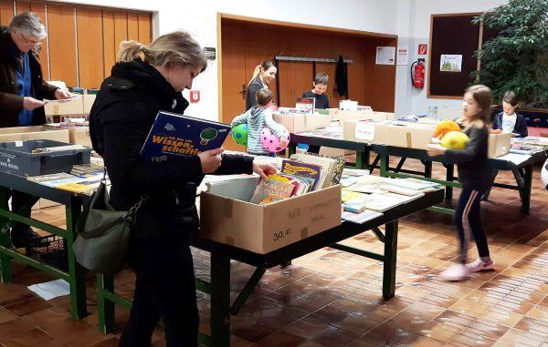 Vigredni knjižni bazar Slovenske študijske knjižnice